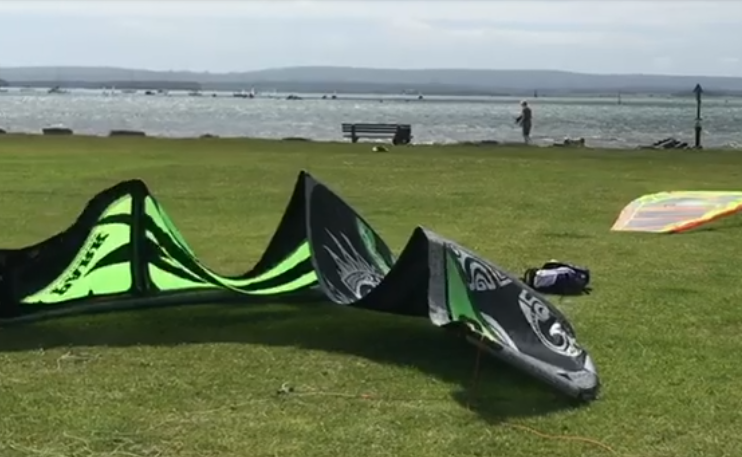 Video: Kite Surfing in Poole